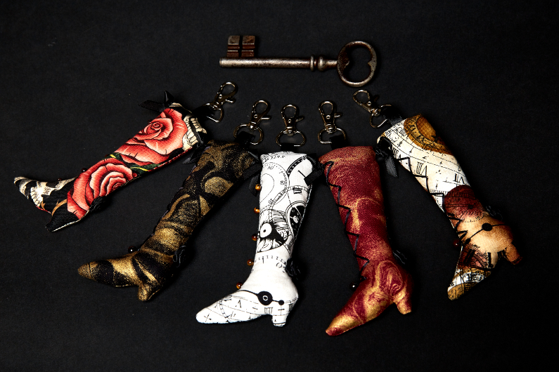 New! Victorian boot key ring