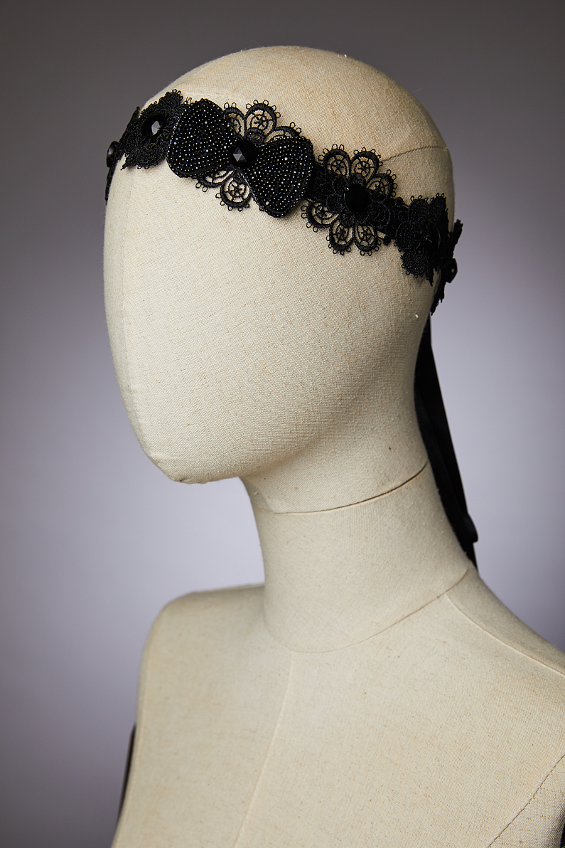 embroidered headband with bow